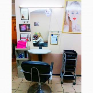 Требуется парикмахер-универсал в салон красоты