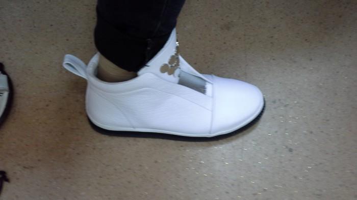 Фото 11. Хороший Продавец на женскую обувь Киев Оболонь пр. Героев Сталинграда 46