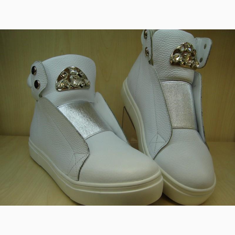 Хороший Продавец на женскую обувь Киев Оболонь пр. Героев Сталинграда 46