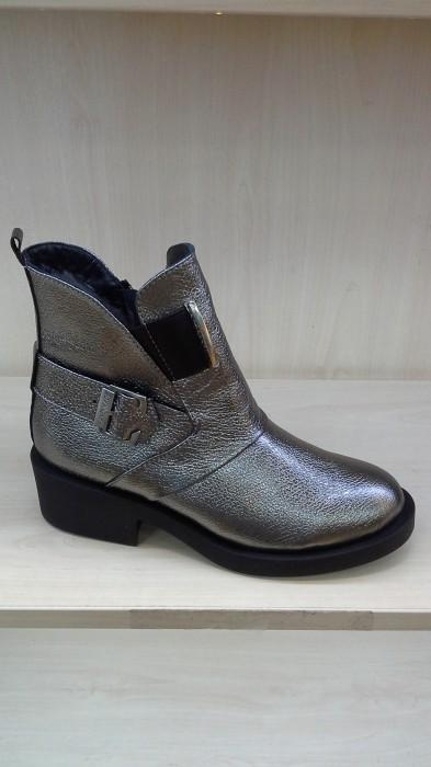 Фото 5. Хороший Продавец на женскую обувь Киев Оболонь пр. Героев Сталинграда 46