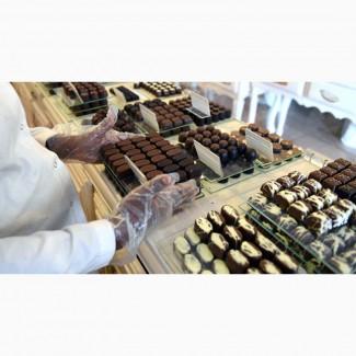 Работник шоколадной фабрики в Польшу