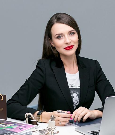 Работа для девушек администратор бесплатная фотосессия для беременных москва